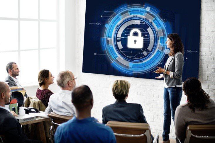 آموزش امنیت سایبری به کارمندان استارتاپها