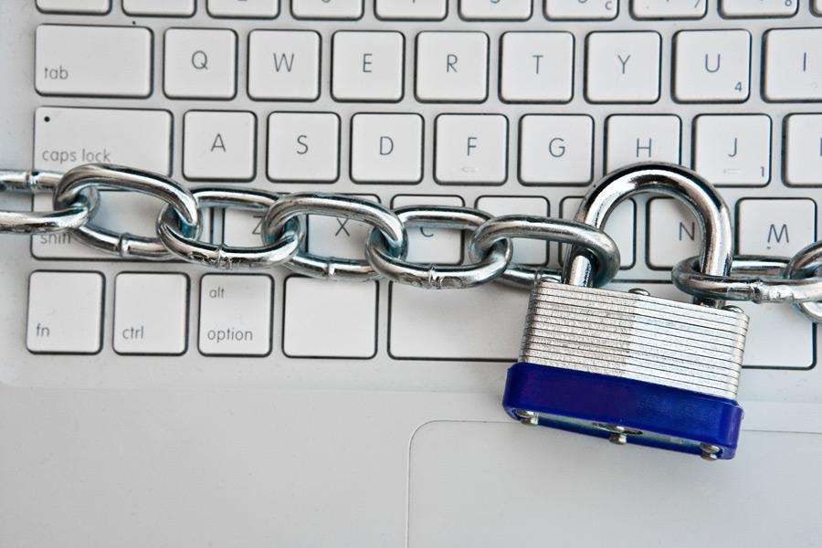 مدیریت و امنیت داده های کاربران